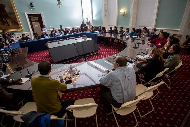 राउण्ड टेबल छलफललाई सम्बोधन गर्दै स्पिकार मार्क-भिभिरित्तो
