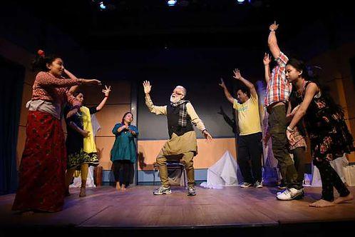 न्युयोर्कमा पहिलो नाट्य मन्चन: एउटा उत्सब दृश्य र यथार्थमा     तस्विर: अशोक पन्त